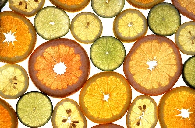 Using citrus fruits in cocktails